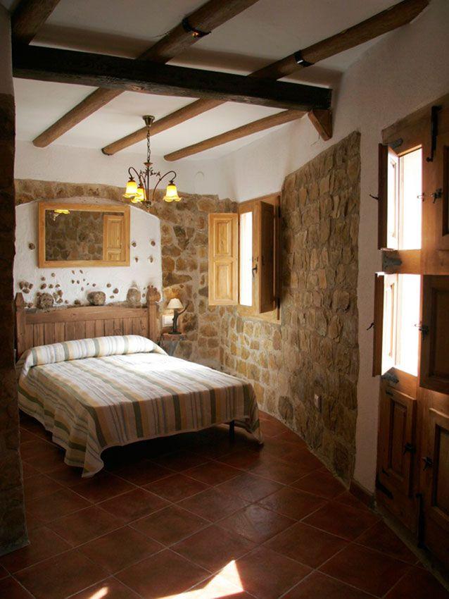 Habitaci 243 N Con Techos Con Vigas De Madera Y Paredes De