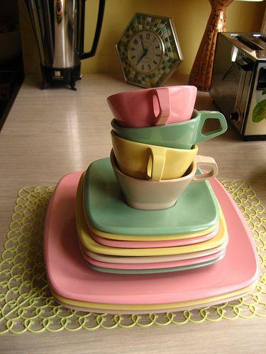 & Oneida Picnic Dinnerware