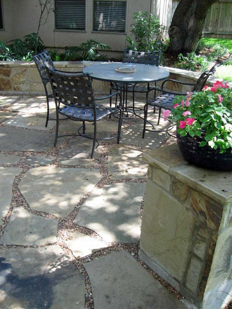 Flagstone Patio With Seat Wall Pea Gravel Used As Grout