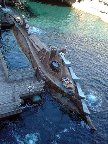 Jules Verne Nautilus Submarine Crashing
