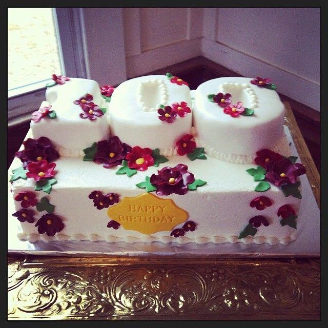 Beehive Cake Decorating