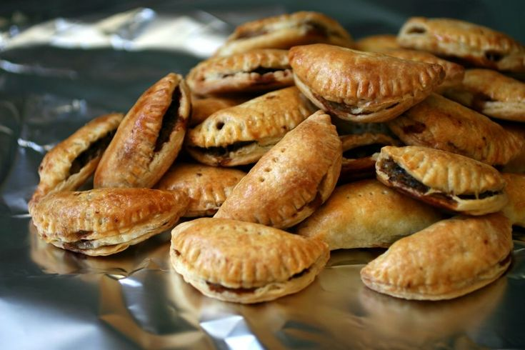 Philly Cheesesteak Turnovers | Philly Cheese Steak ...