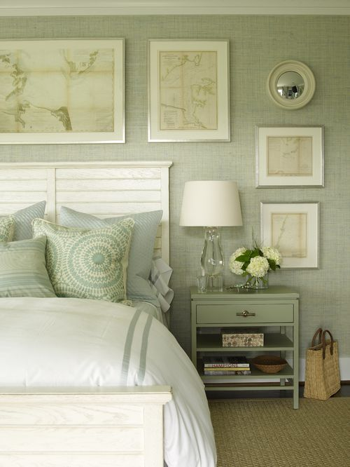 Green And White Bedroom Wallpaper