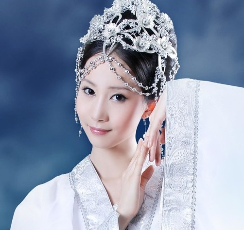 Ancient Chinese Fairy White Costume and Hair Accessories ...