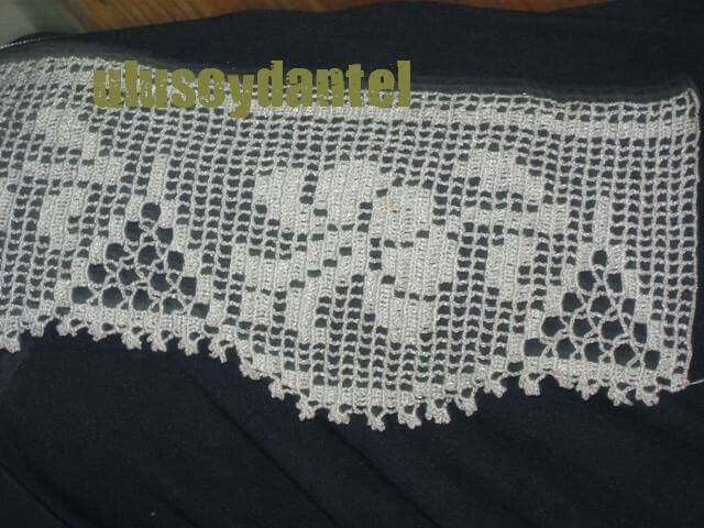 Poinsettia Christmas Doily Crochet Pattern