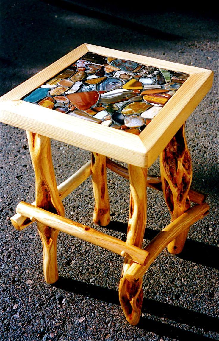 Diamond End Willow Table