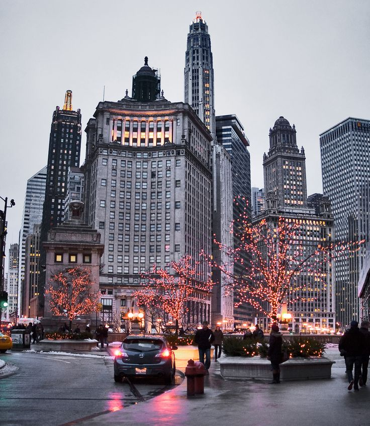 Christmas Michigan Avenue Bridge