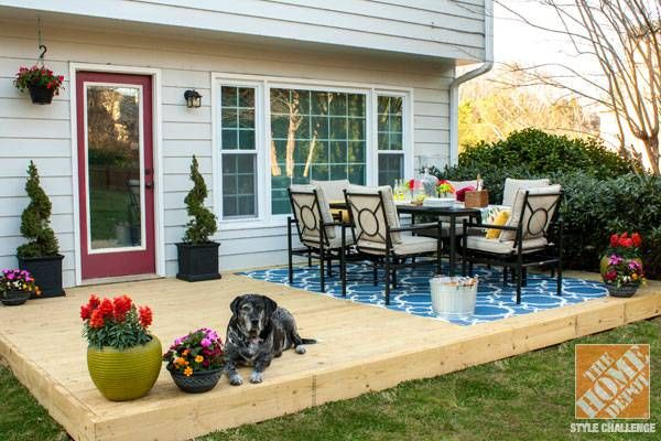 Outdoor Dining Room And Wood Deck For Small Backyard