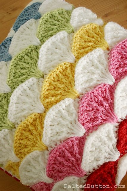 Knit Ripple Pattern Pillow Cover
