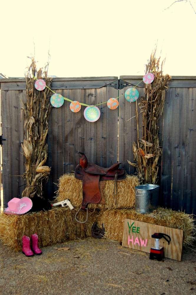 Rustic Country Yard Decor