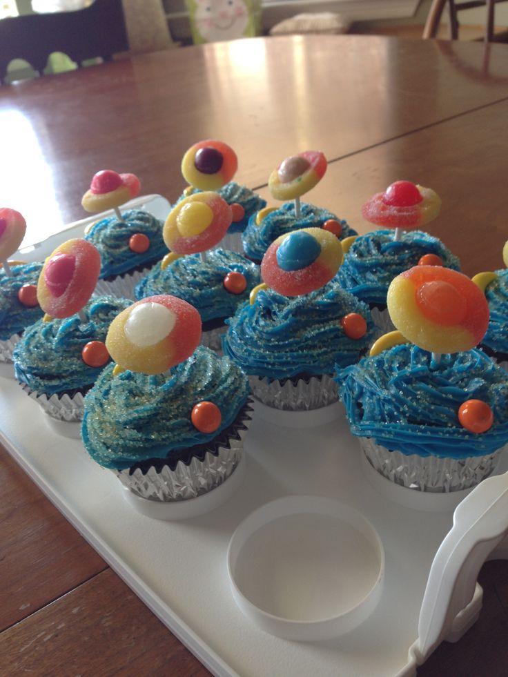 1000 Ideas About Alien Cupcakes On Pinterest Alien Cake