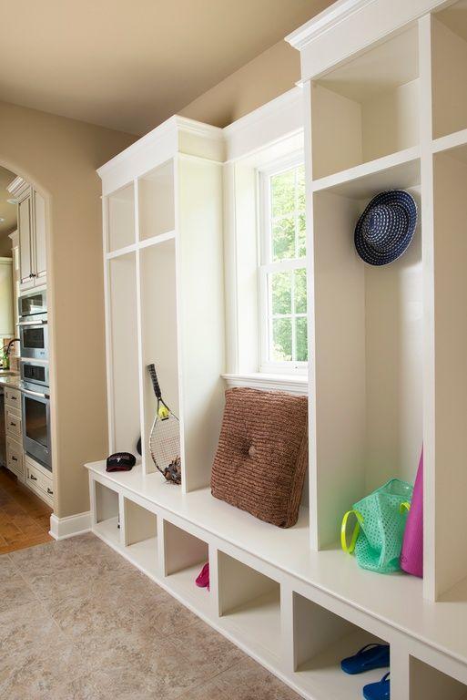 30 Incredible Mudroom Ideas With Storage Lockers