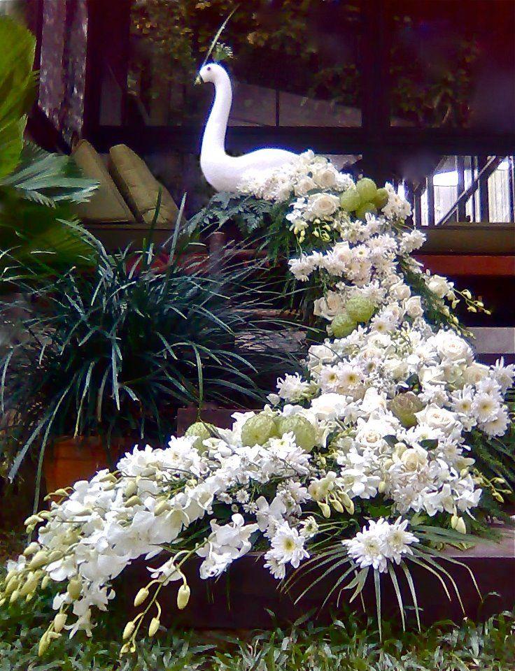 Large Floral Arrangements For Centerpiece