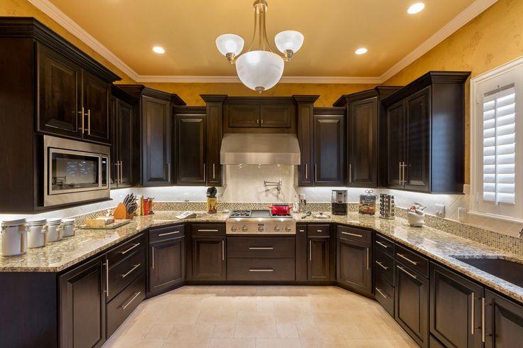 Traditional Kitchen Giallo Fiorito Granite Counters