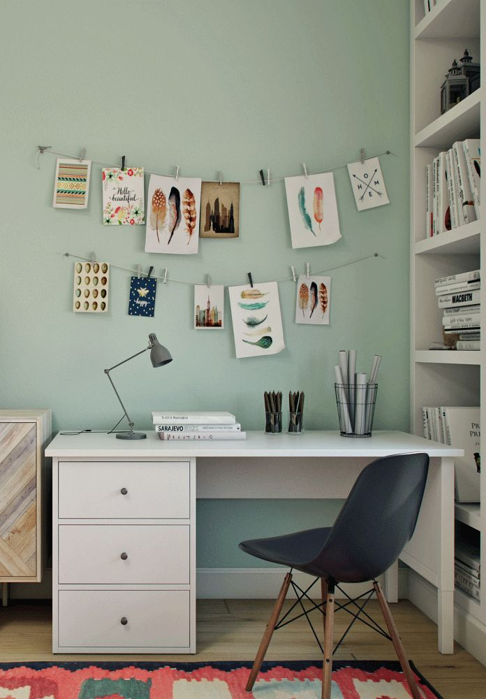 Desk In The Teenage Girls Bedroom Colorful And Cozy