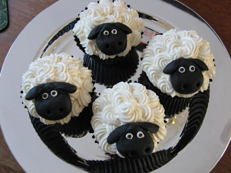 Easter Cakes Sheep