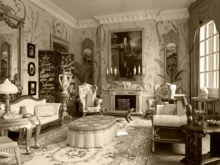 1900 Dining Room Furniture
