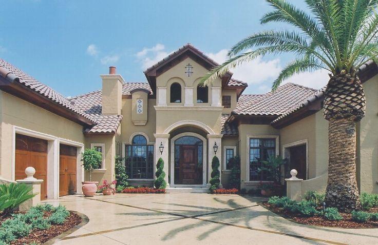 Spanish Mediterranean Style Homes Courtyards
