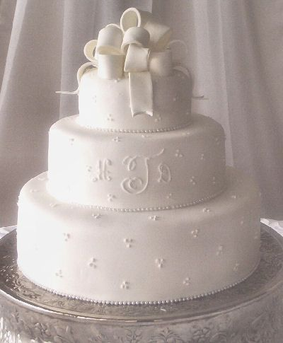 Simple Wedding Cake Idea Can Make It A Two Layer Cake With