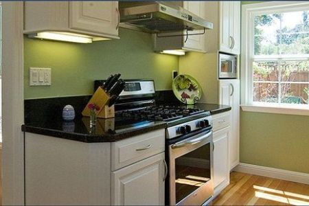 Classy Kitchen Designs to Change the Look of your Home   curtains     Classy Kitchen Designs to Change the Look of your Home