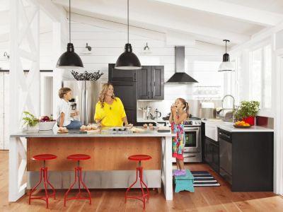 20 Dreamy Kitchen Islands   Kick plate, Hgtv and ...