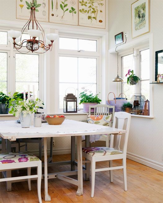 breakfast nook   my sweet home   Pinterest   Stylish kitchen     dining nook on side of kitchen  love the herb pictures