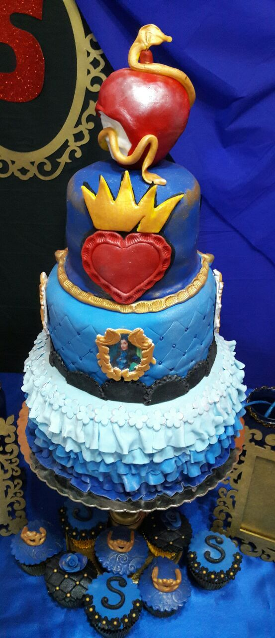 Cake Descendants Evie Tortas Tematicas Pinterest