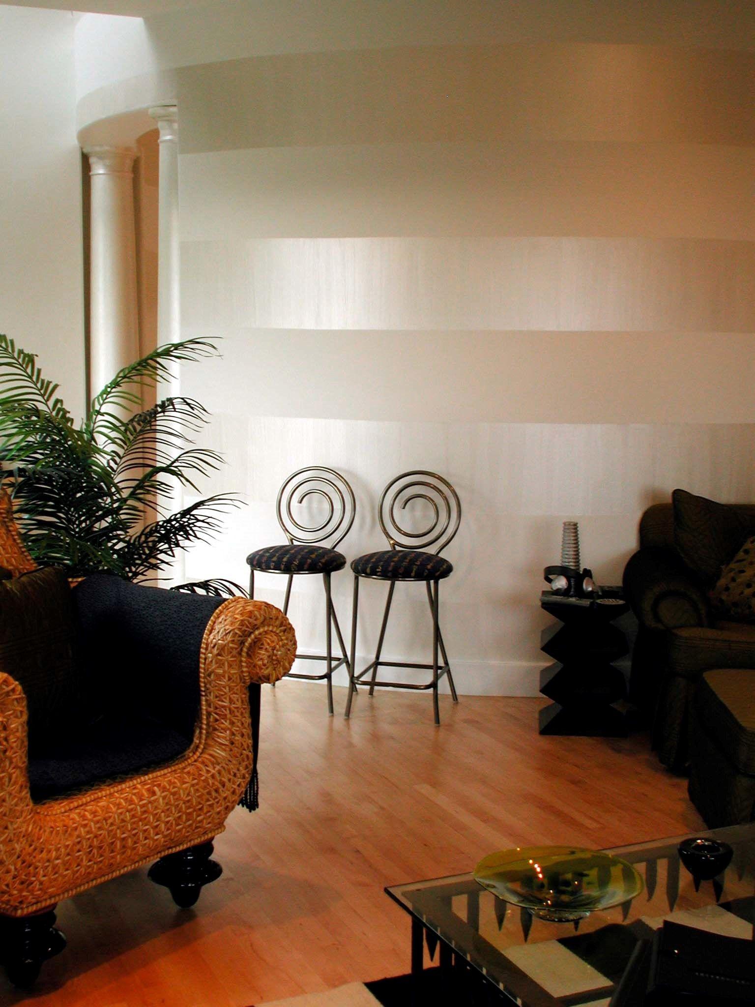 Horizontal Stripes With Pearl White Sheer Metallic Paint