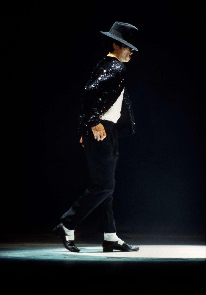 Michael Jackson's moonwalk shoes up for auction - ABC News