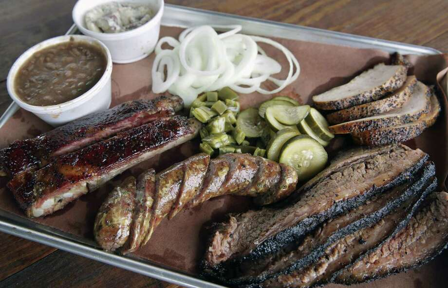 Review At 2m Smokehouse Destination Bbq Arrives In San