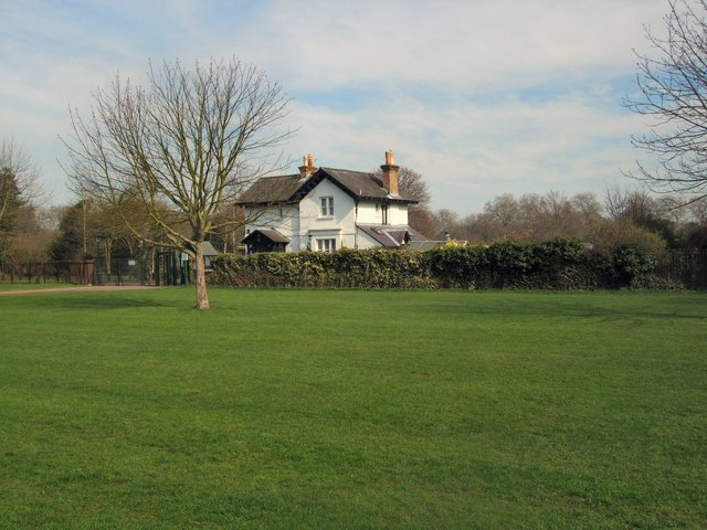 Lodge In Windsor Home Park 169 Paul Gillett Cc By Sa 2 0