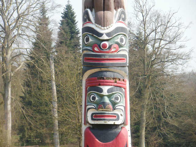 Close Up Of The Totem Pole Windsor 169 Peter S