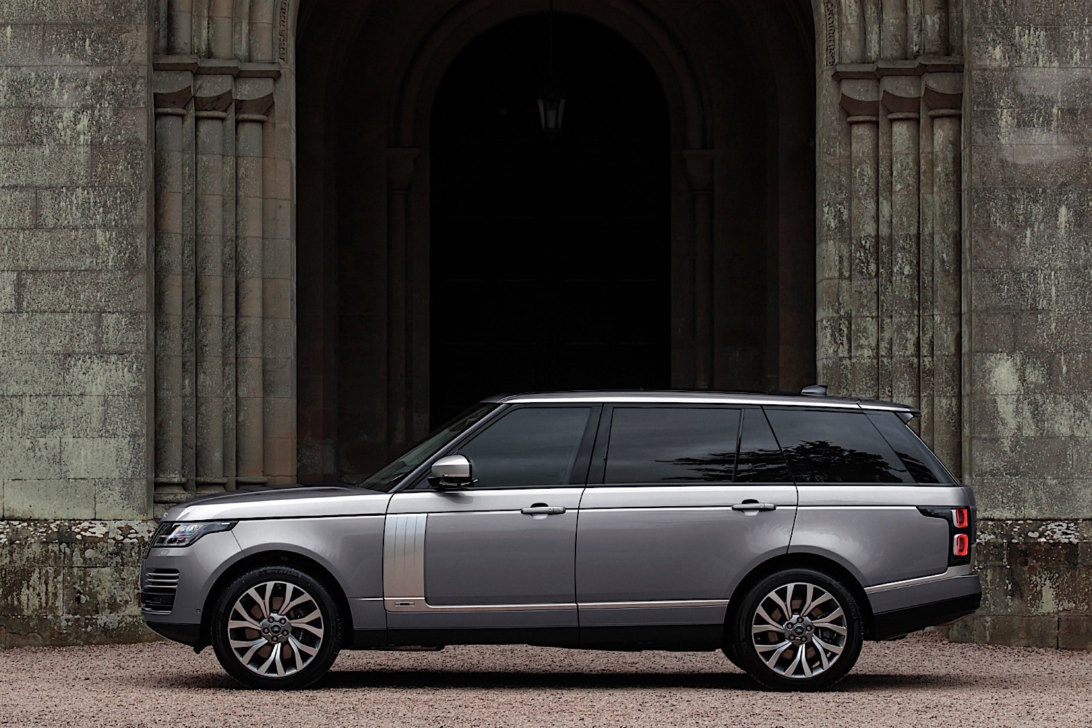 2020 Range Rover Gets Mild Hybrid For The U S Starts At