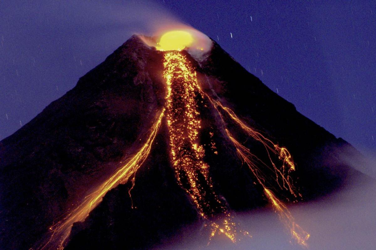 Mayon Volcano Eruption More Likely Philippines Raises