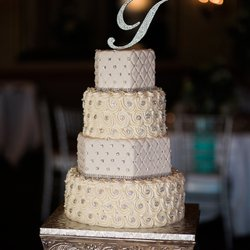 Best Wedding Cake Bakeries Near Me - October 2018: Find ...
