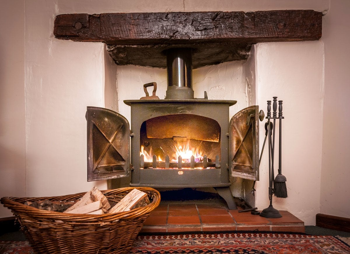 Wood Stove In Modern Kitchen Vintage Kitchen Ideas 12