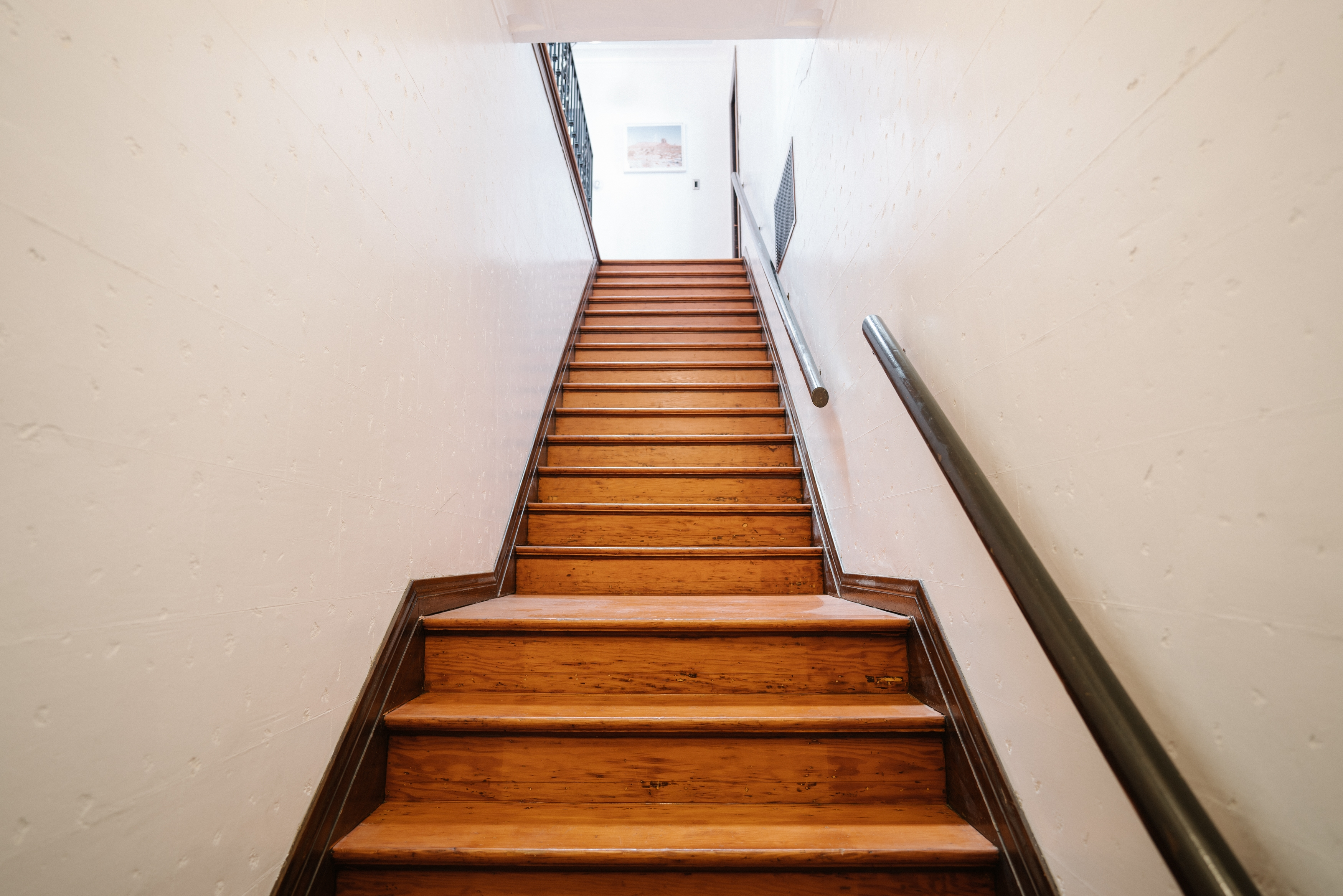 Laminate Flooring On Stairs Considerations Installation Hunker | Hardwood Floor To Stair Transition | Tile | Molding | Vinyl Plank | Laminate | Carpeted Stairs