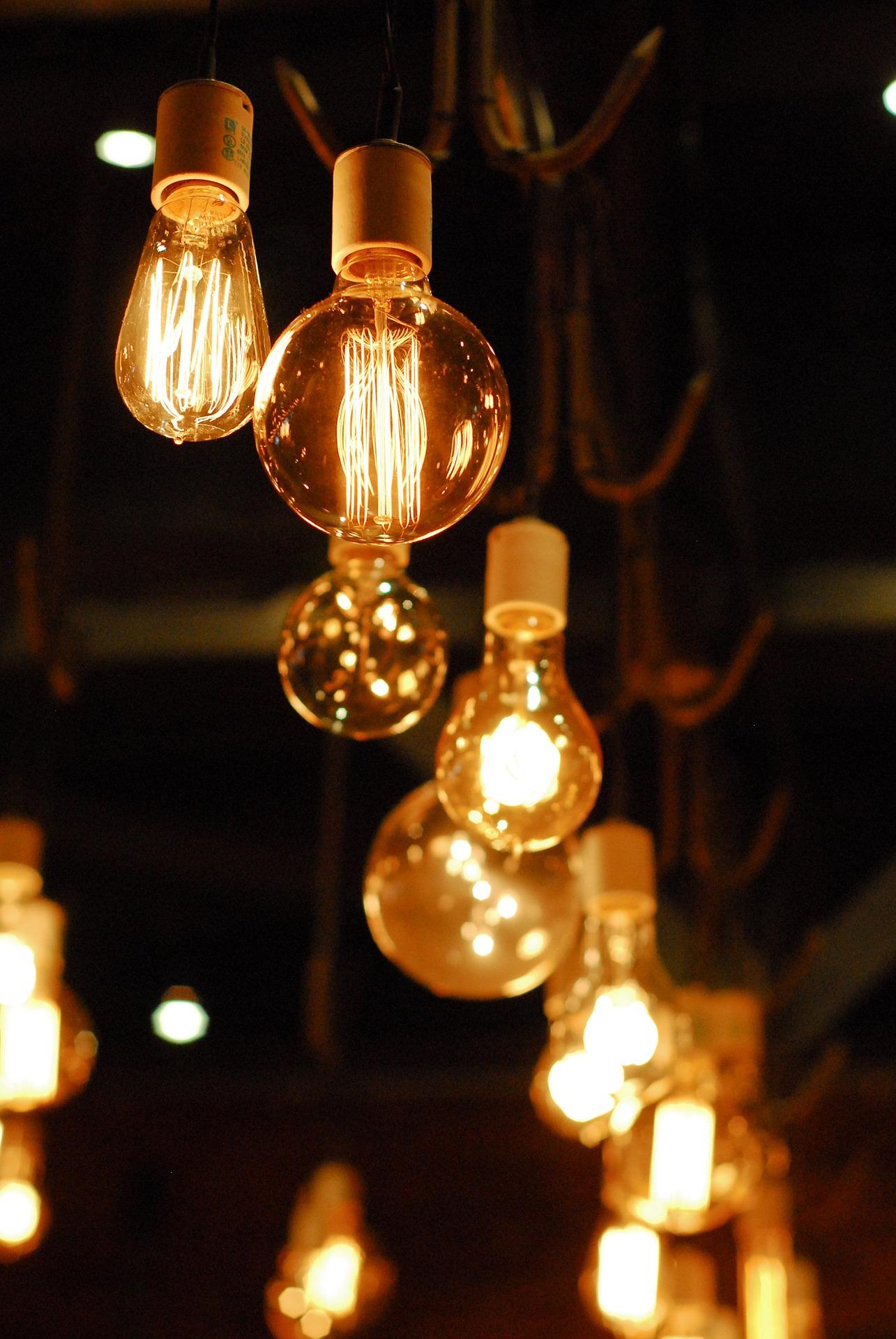 One Thousand Light Bulbs