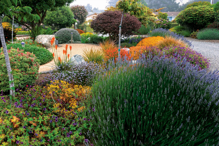 A Garden Design to Bring People Together - FineGardening