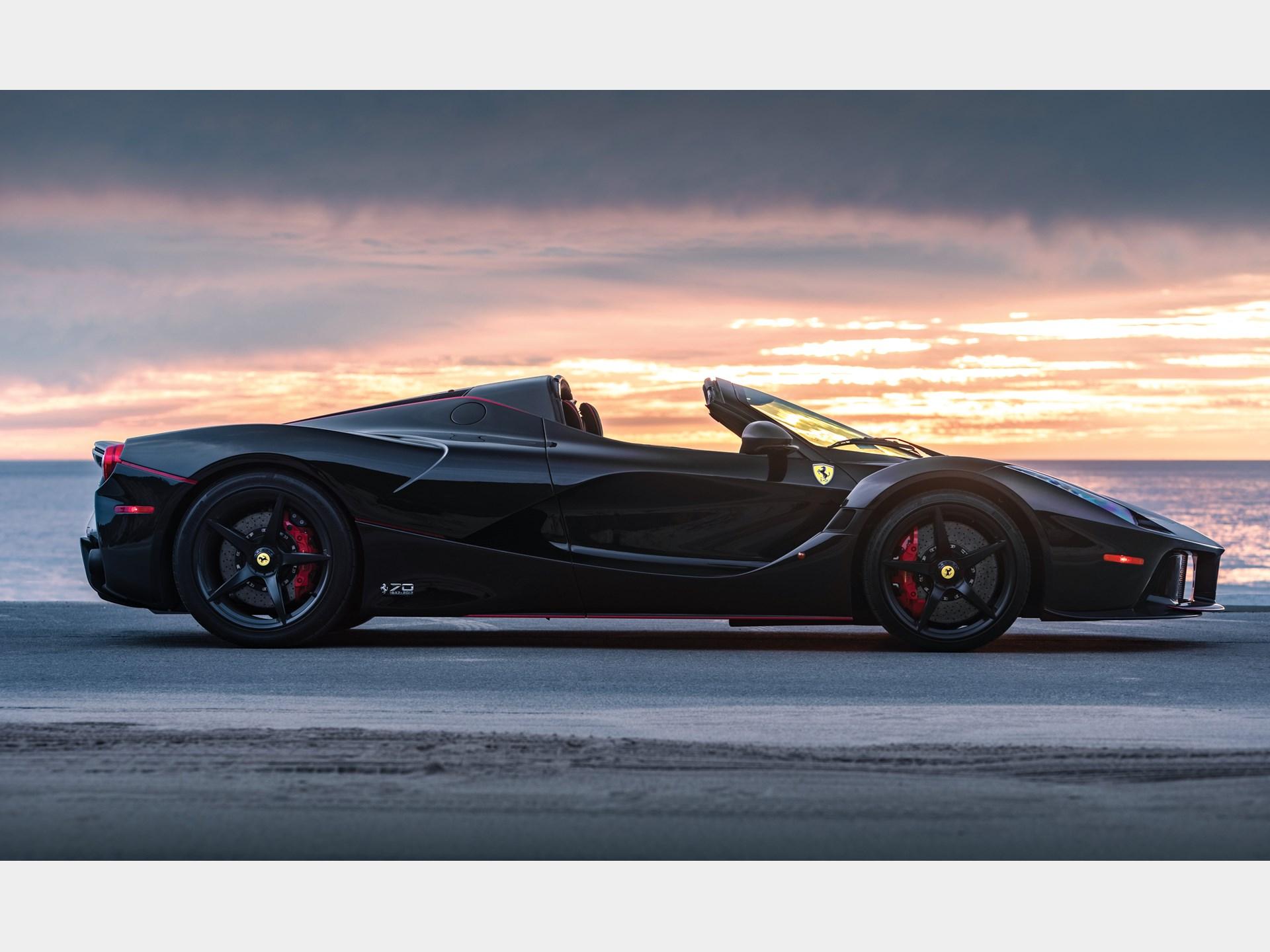 This 1,500-Mile Ferrari LaFerrari Aperta Could Fetch $8.5 ...
