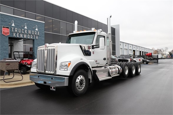 2019 Kenworth W990 Conventional Daycab Truck In