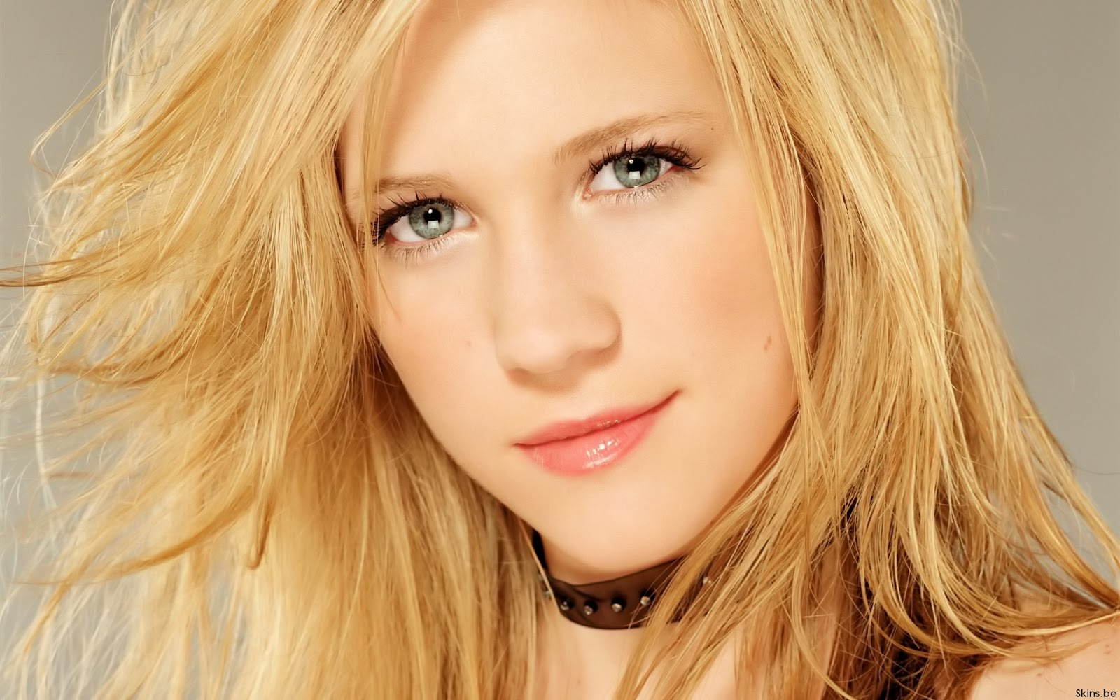 Jessy Schram Brittany Snow