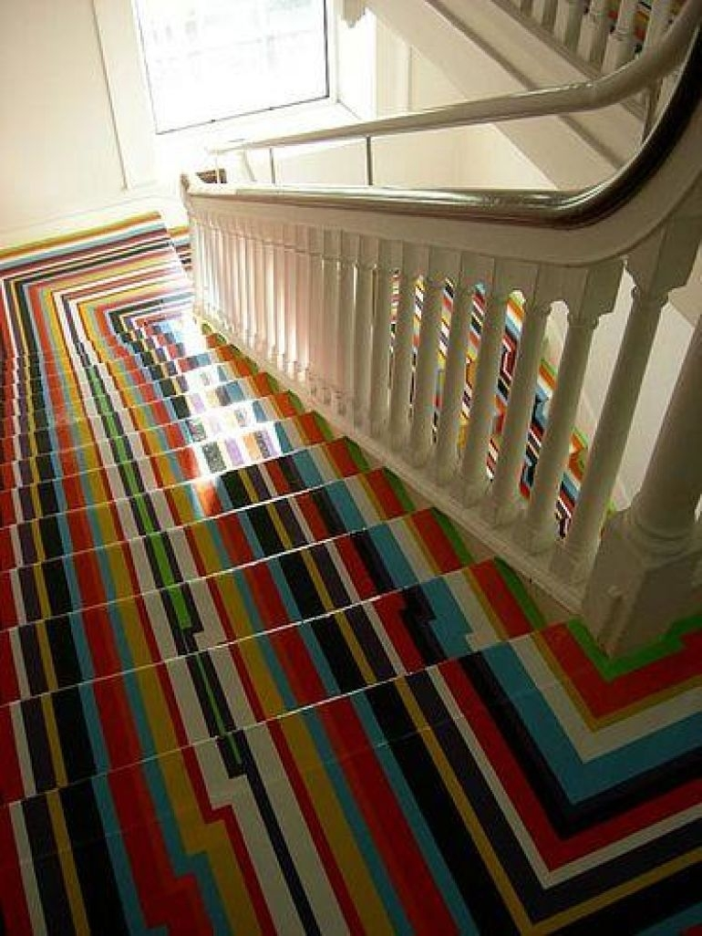 Carpets And Runners Give Your Staircase A Makeover | Zig Zag Carpet On Stairs | American Style | Asymmetric Stair | Before And After | Navy Pattern | Grey