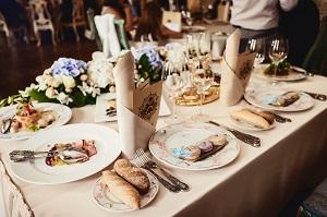 Die Hochzeit im Restaurant liefert weniger Ärger
