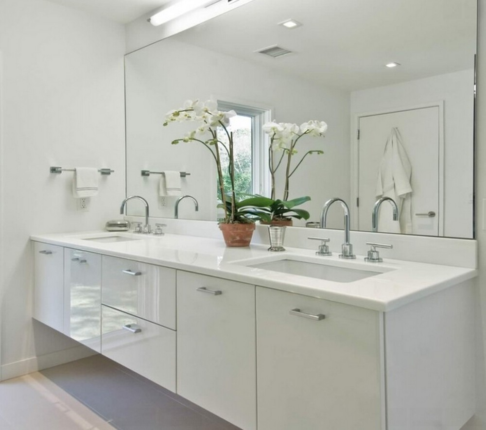 beautiful white bathrooms - 1069×706