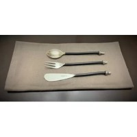 The dinner table should not be plain after your long day. Give an attractive charm to your dining decor with Vibhsa's luxurious flatware set. Each piece is elegantly handcrafted, and no 2 pieces will be alike.