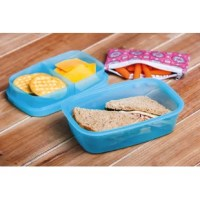 Packing your lunch is back in style with this cool blue bento-inspired divided lunchbox. The top snaps down securely on three sides so you lunch will stay put and fresh. It includes a cooling gel pack and convenient carrying bag. The lunchbox is BPA free and dishwasher safe.