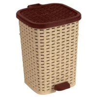 Give office, bathroom or guestroom a stylish look with this basket-weave designed compact trash can. Comes with a strong foot-pedal that opens it easy with a step of foot. It is made with a separate interior can which smoothly slides out for easy wash and use.