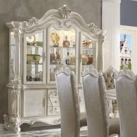Anchor the dining room in effortless style with this hutch and buffet, perfect for weekday meals and family gatherings alike. The buffet comes with plenty of space to keep important dinnerware nearby.