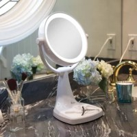 Boldly flexible. Why choose one magnification when you can have the best of both worlds? With the 10X/1X magnifications to choose from, doing your hair and make-up has never been easier. Zadro's Max Bright Sunlight Vanity Mirror features beautiful fluorescent lighting to ensure a clearer reflection of your true self. The unique flexible design allows for multiple viewing options whether you are standing or sitting.